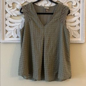 3/$20 Knox Rose Olive Green Textured Blouse